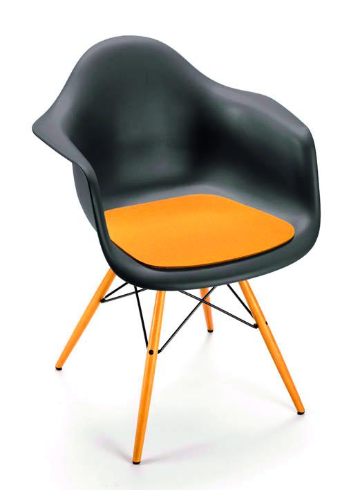 Vitra Eames Arm Chair Dar, Eames Side Chair Pad