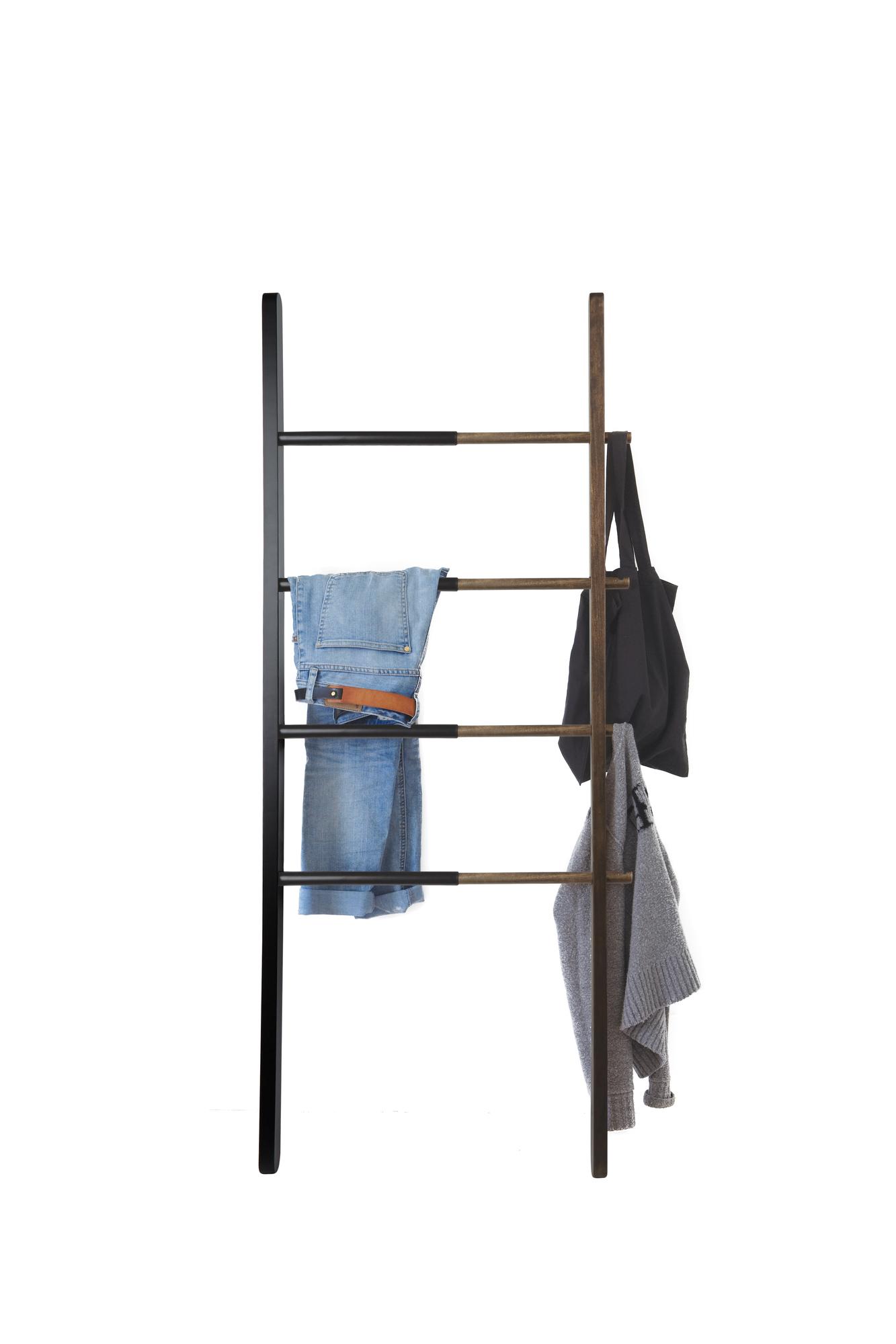 Hub Ladder black-walnut Umbra