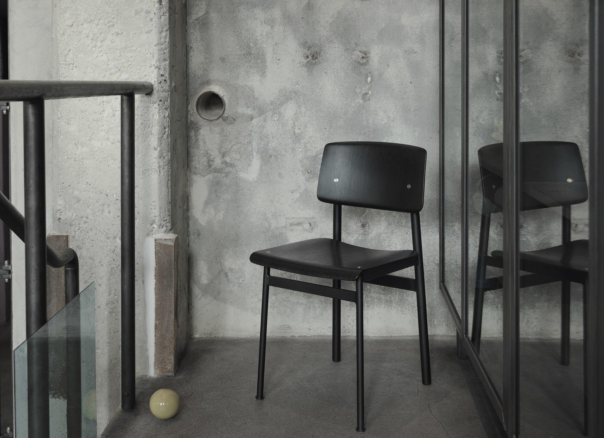 Loft Chair Dust green / Oak Muuto