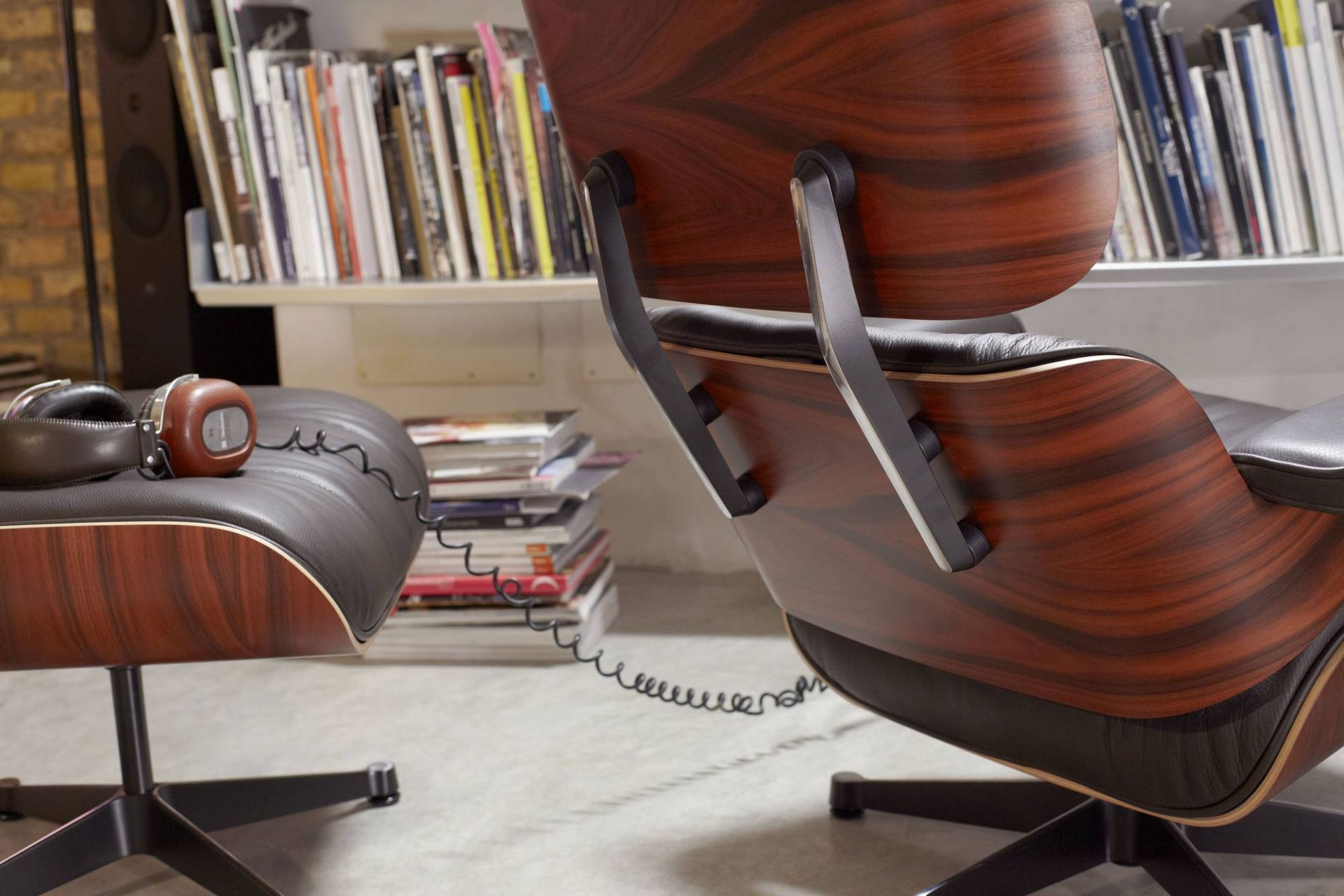 Eames Lounge Chair & Ottoman armchair Vitra