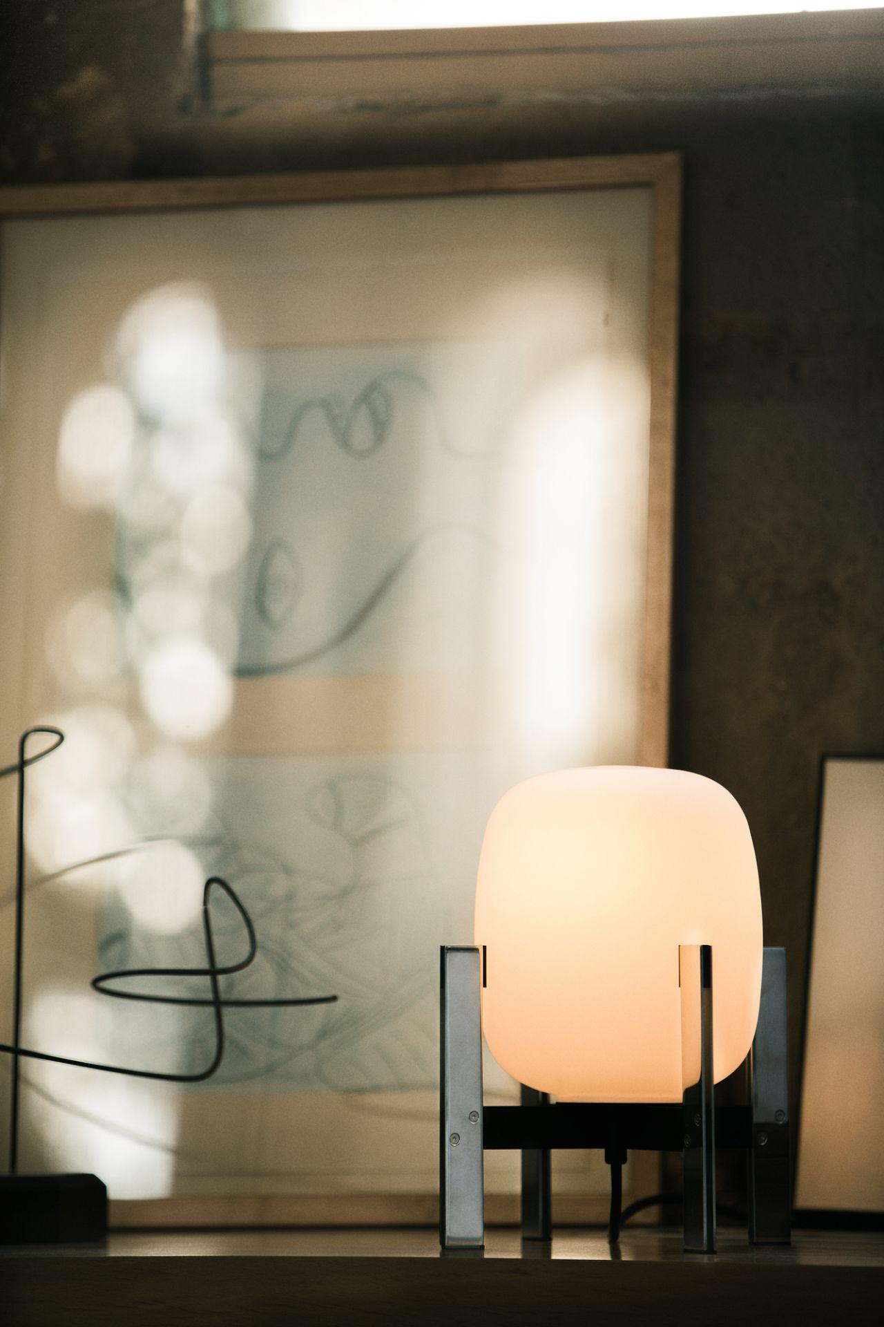 Cestita Metálica Table lamp / Table lantern Santa & Cole