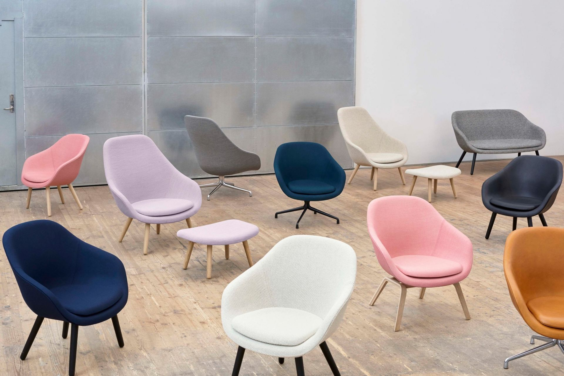 About a Lounge AAL 83 / AAL83 Armchair Hay