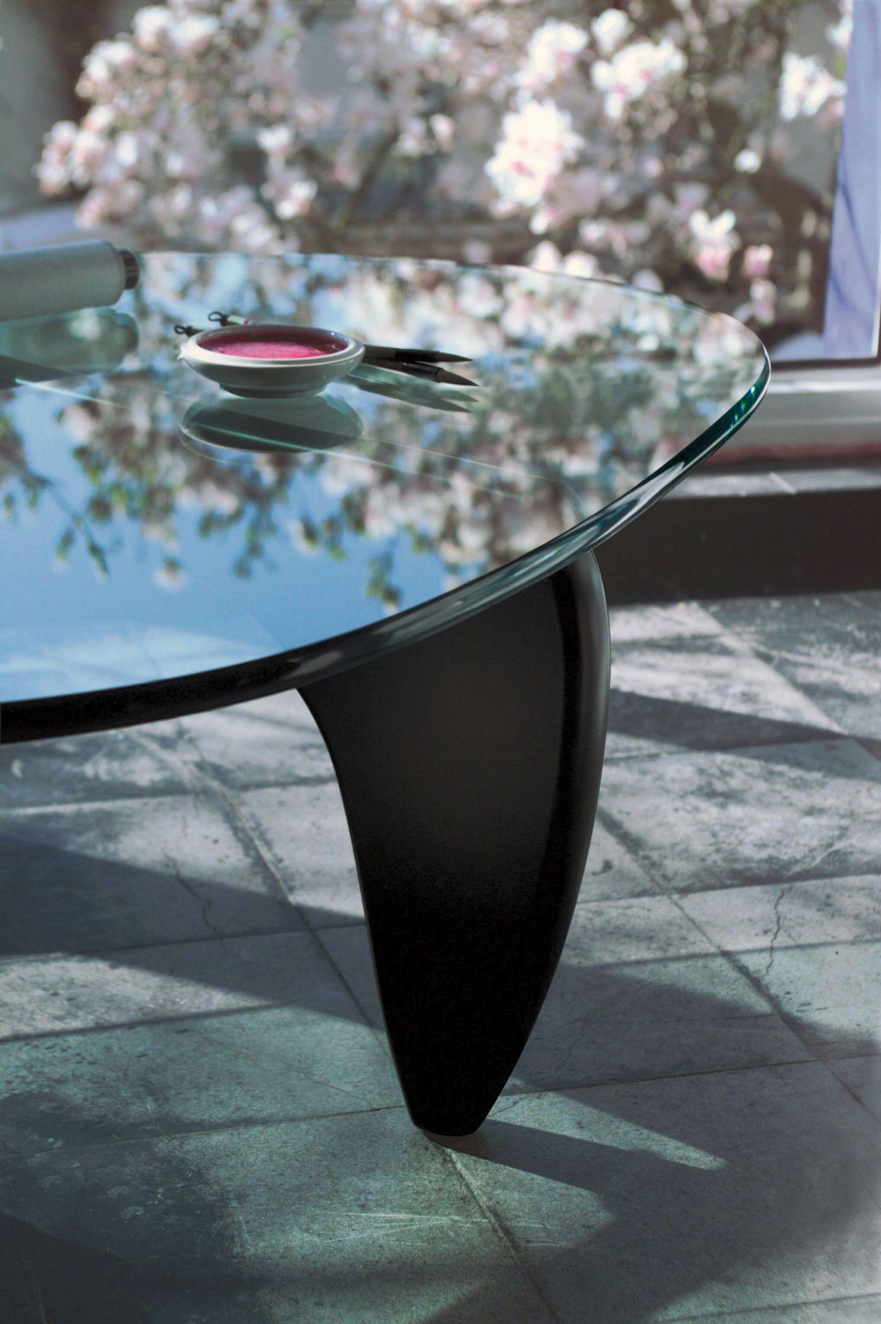 Noguchi Coffee Table Black ash Vitra