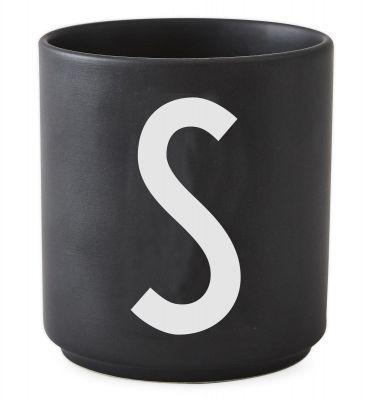 Buchstabenbecher Schwarz Design Letters-S