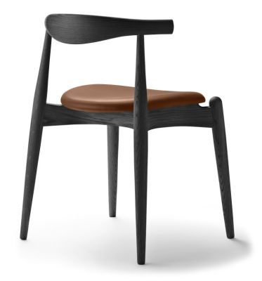 CH20 Elbow Chair upholstered Carl Hansen & Søn frame oak black seat leather thor 307